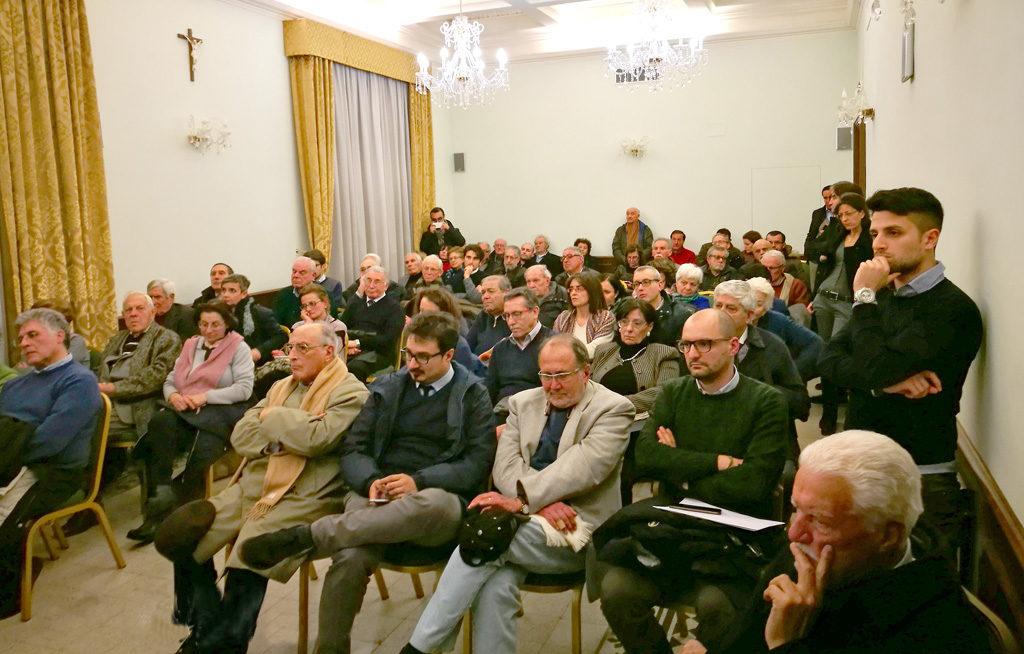 I corsisti dell'Istituto dialogano con il sindaco della Città metropolitana
